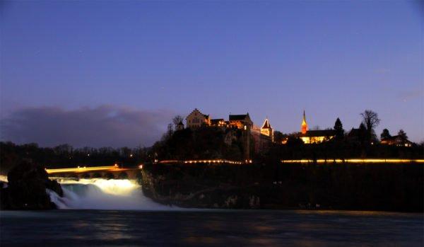 Entfalte dich mit Körperübungen von RhiaYoga in Winterthur und Dinhard