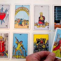 Therapeutisches Kartenlegen mit Tarotkarten mit Rhia in Winterthur und Dinhard